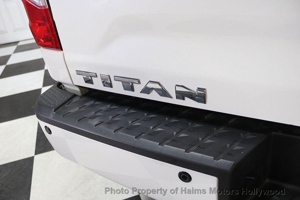 2017 Nissan Titan 4x2 Crew Cab SL - 17851912 - 8