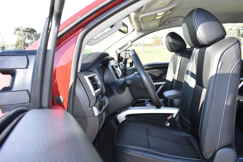 2017 Nissan Titan XD 4x4 Gas Crew Cab PRO-4X - 18175384 - 10