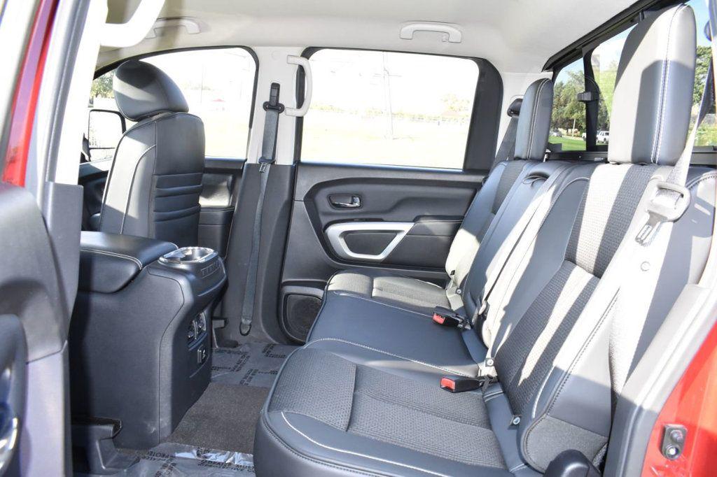 2017 Nissan Titan XD 4x4 Gas Crew Cab PRO-4X - 18175384 - 11