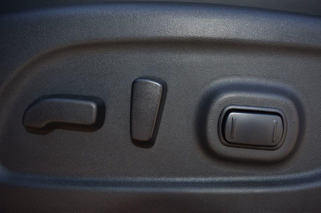 2017 Nissan Titan XD 4x4 Gas Crew Cab PRO-4X - 18175384 - 15