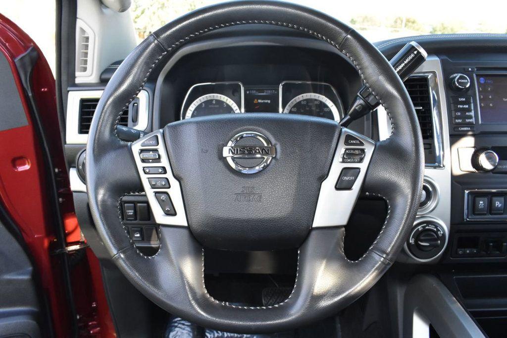 2017 Nissan Titan XD 4x4 Gas Crew Cab PRO-4X - 18175384 - 18