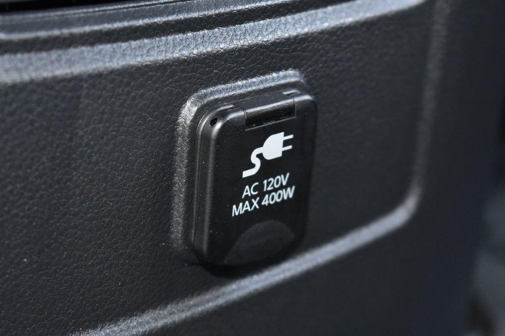 2017 Nissan Titan XD 4x4 Gas Crew Cab PRO-4X - 18175384 - 28