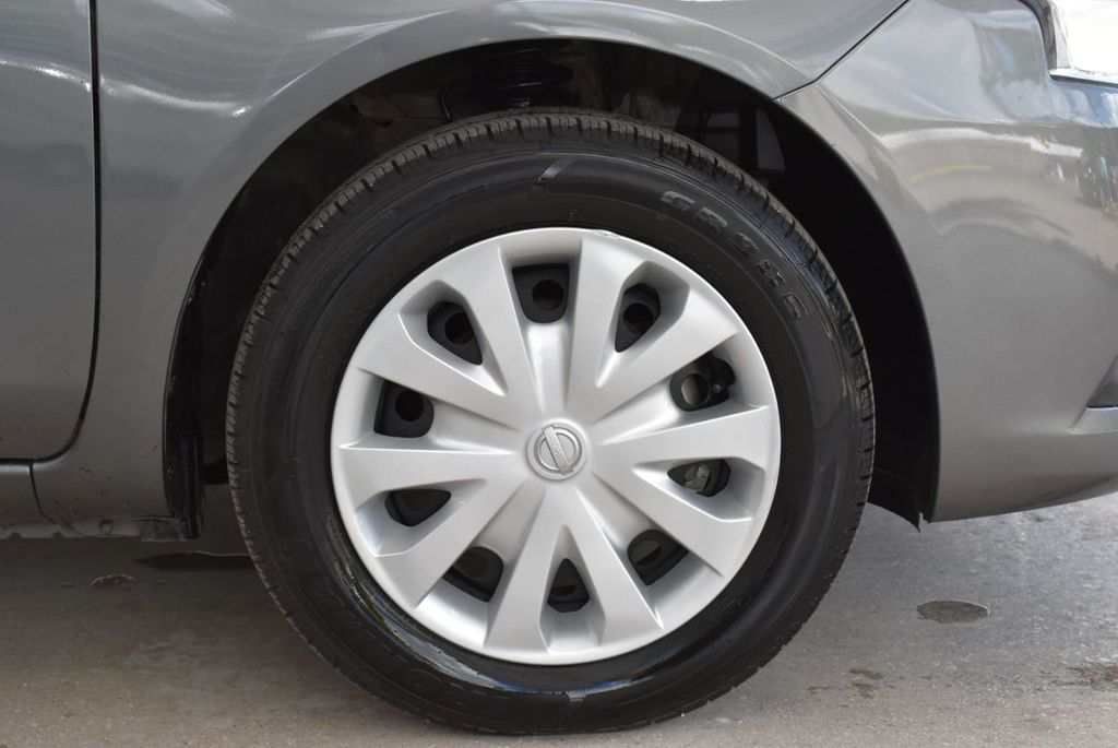 2017 Nissan Versa Sedan  - 18712682 - 9