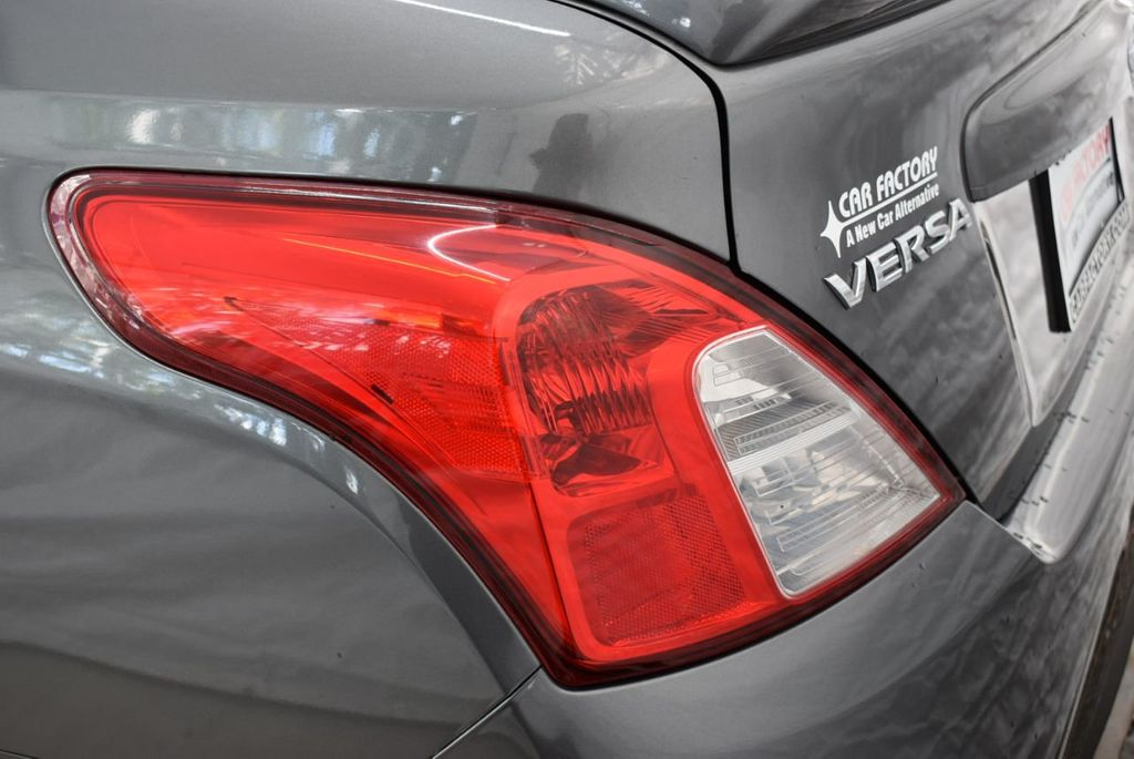 2017 Nissan Versa Sedan  - 18712682 - 4