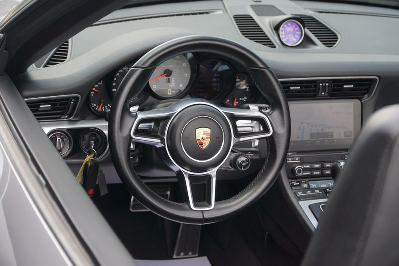 2017 Porsche 911 Carrera 4S Cabriolet - Click to see full-size photo viewer
