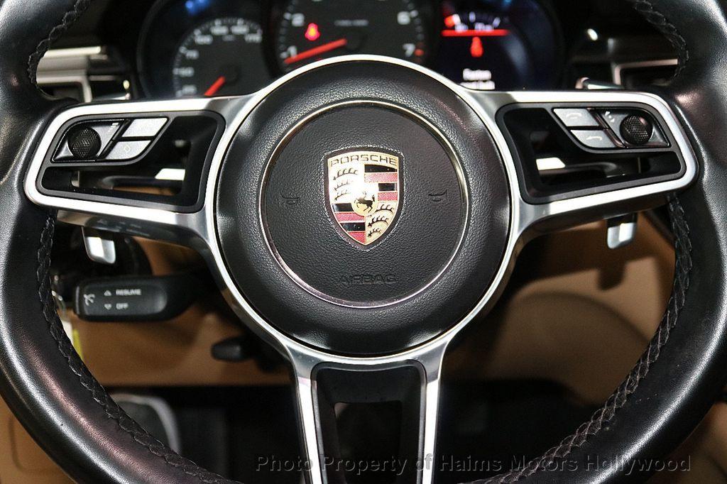 2017 Porsche Macan AWD - 18455323 - 25