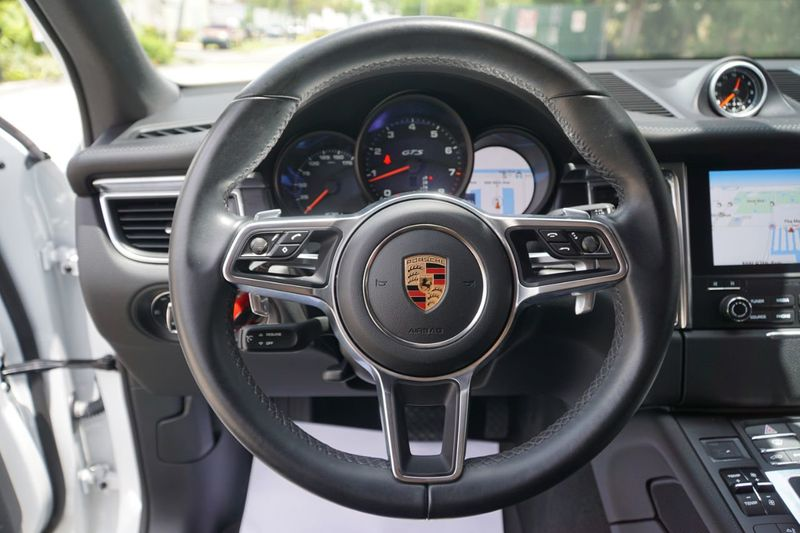 2017 Porsche Macan GTS AWD - Click to see full-size photo viewer