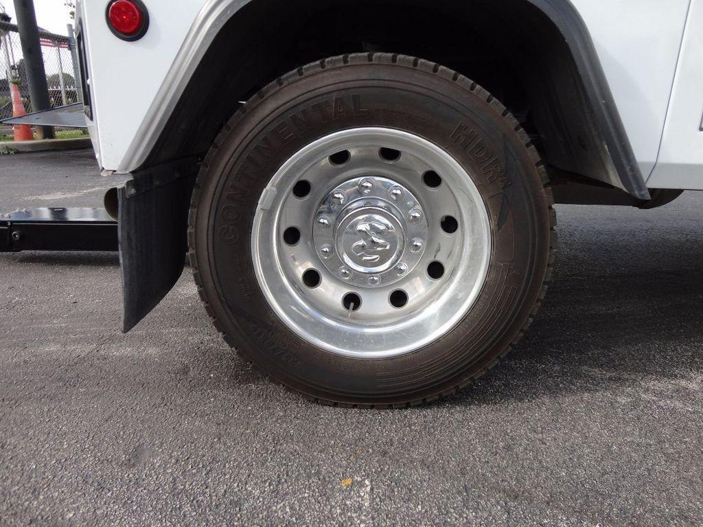 2017 Ram 5500 SLT 4x2 CREW CAB JERRDAN MPL-40 TWIN LINE WRECKER TOW - 17124190 - 17