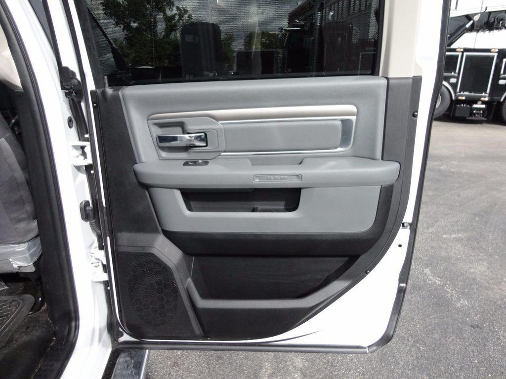 2017 Ram 5500 SLT 4x2 CREW CAB JERRDAN MPL-40 TWIN LINE WRECKER TOW - 17124190 - 29