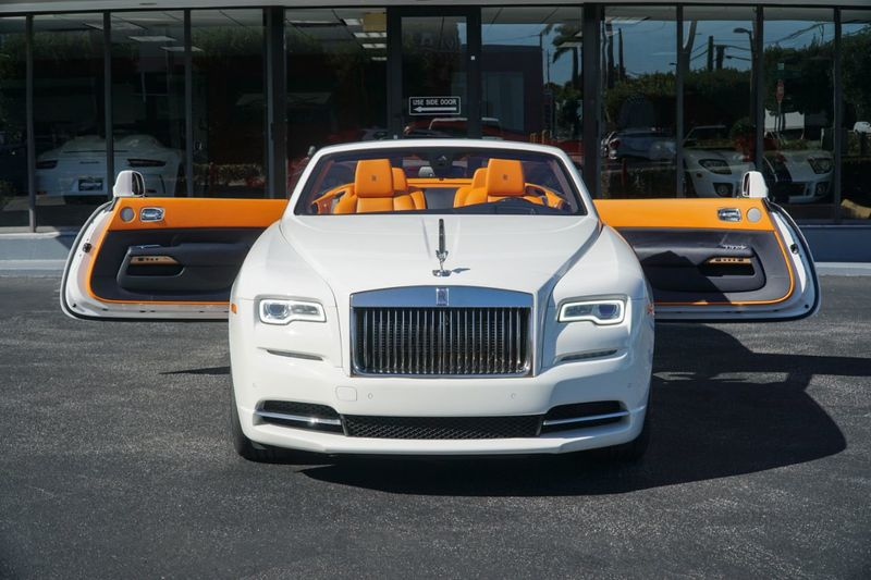 2017 Rolls-Royce Dawn Convertible - Click to see full-size photo viewer