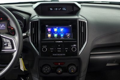 2017 Subaru Impreza 2.0i 4-door CVT Sedan - Click to see full-size photo viewer