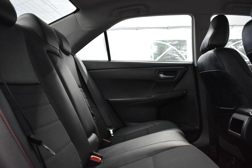 2017 Toyota Camry  - 18676016 - 16