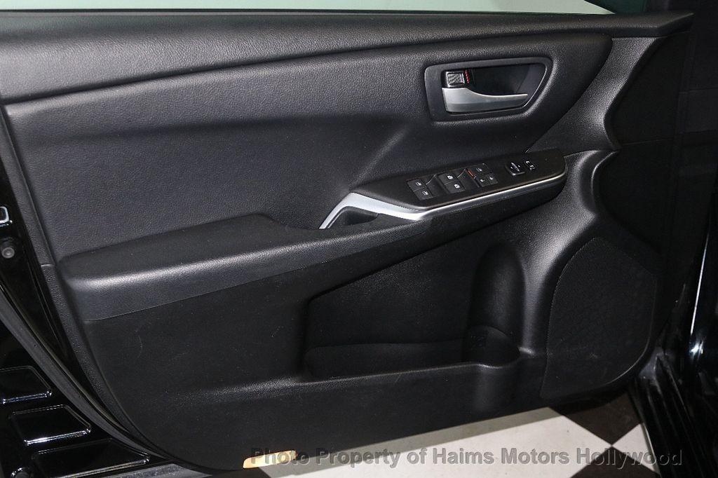 2017 Toyota Camry  - 17667698 - 9