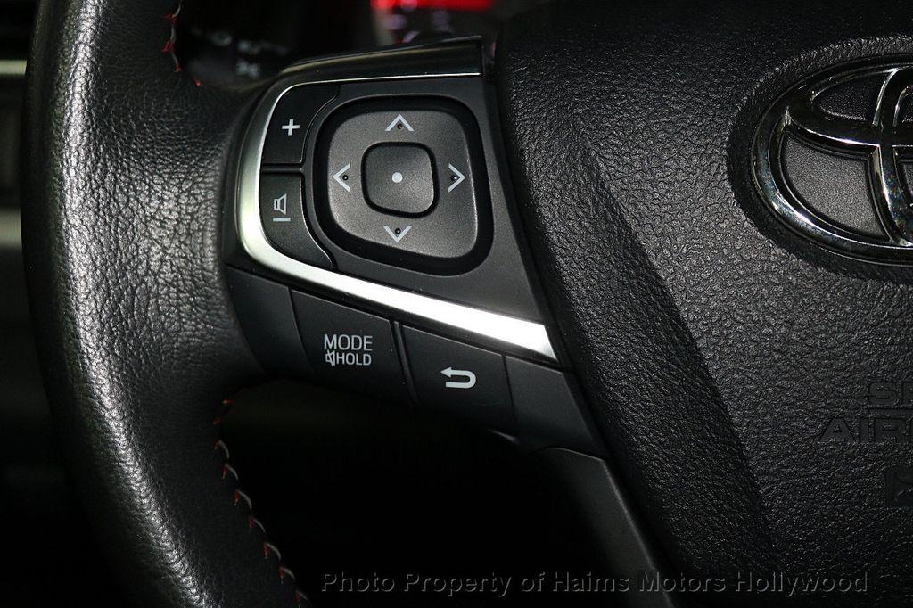 2017 Toyota Camry  - 17667698 - 24