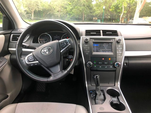 2017 Toyota Camry  - Click to see full-size photo viewer