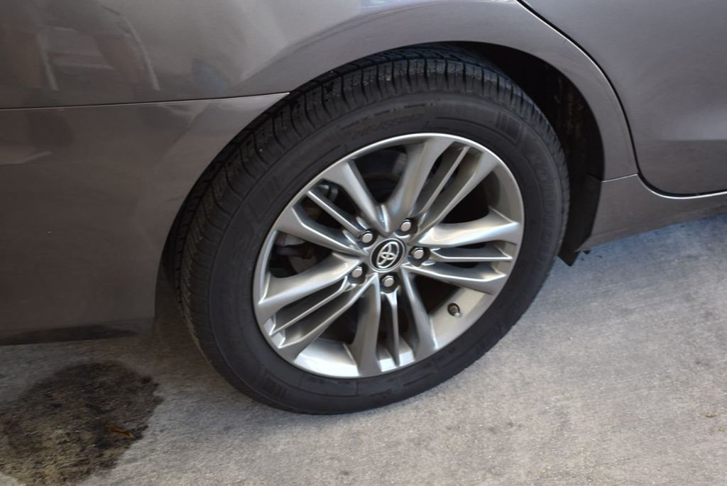 2017 Toyota Camry SE Automatic - 18122124 - 9