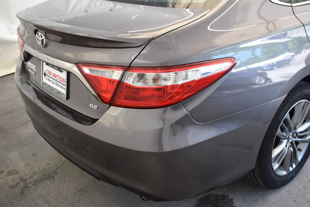 2017 Toyota Camry SE Automatic - 18122124 - 7