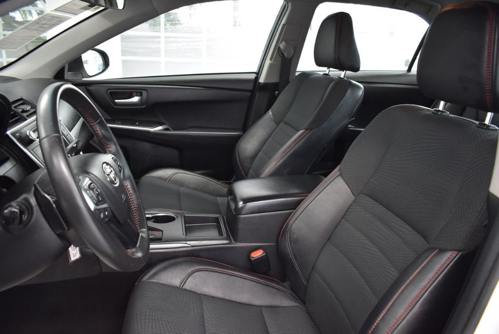 2017 Toyota Camry SE Automatic - 18319320 - 15