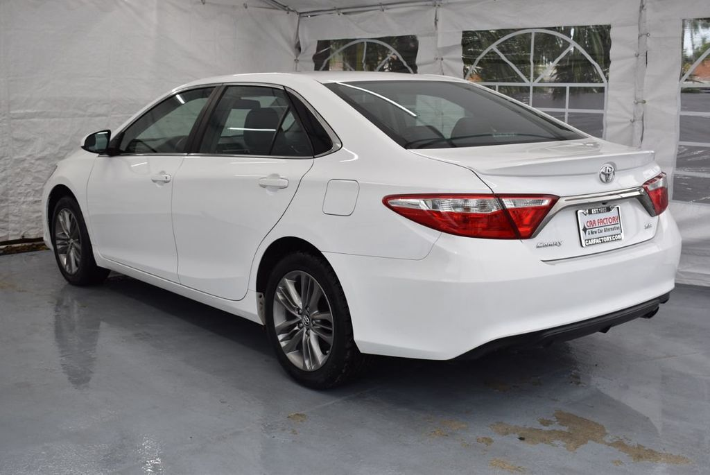 2017 Toyota Camry SE Automatic - 18319320 - 5