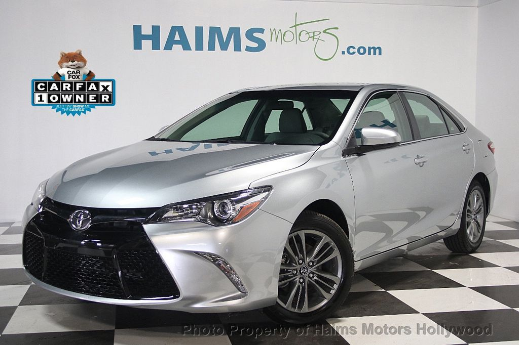 2017 Toyota Camry SE Automatic - 16848646 - 0