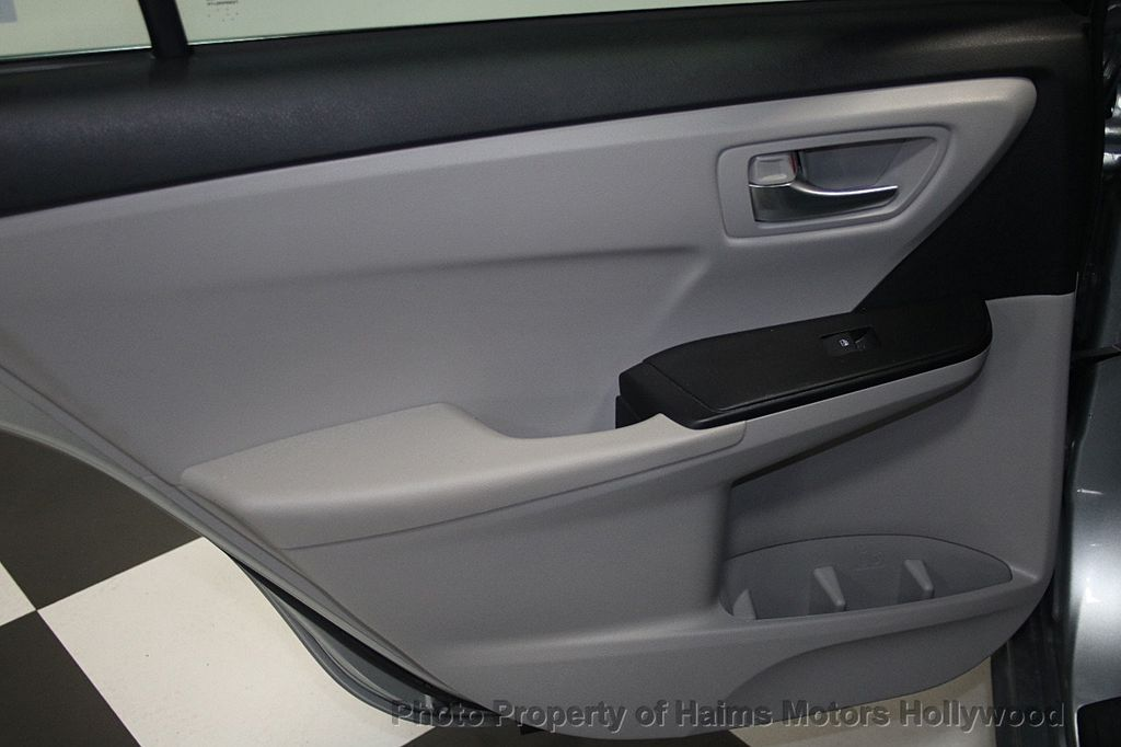 2017 Toyota Camry SE Automatic - 16848646 - 11