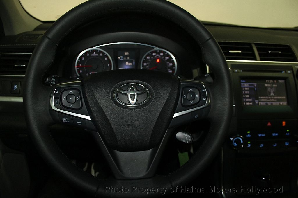 2017 Toyota Camry SE Automatic - 16848646 - 26