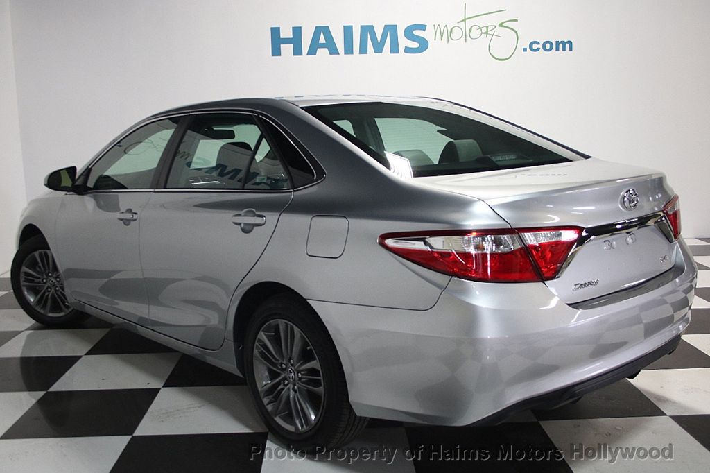 2017 Toyota Camry SE Automatic - 16848646 - 4