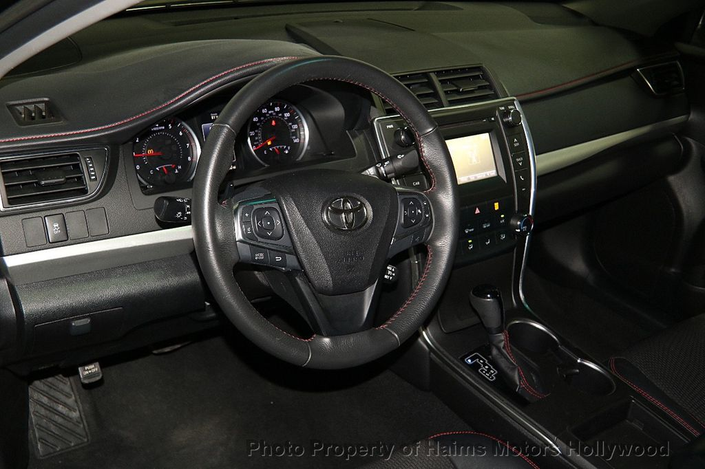 2017 Toyota Camry SE Automatic - 17045276 - 18