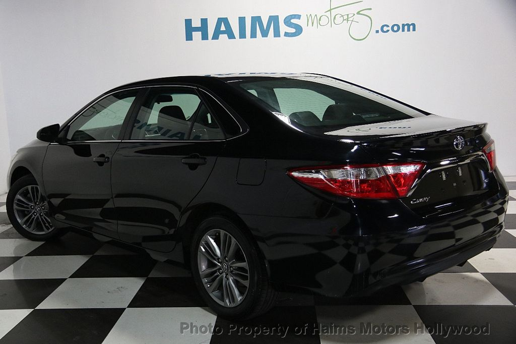 2017 Toyota Camry SE Automatic - 17045276 - 4