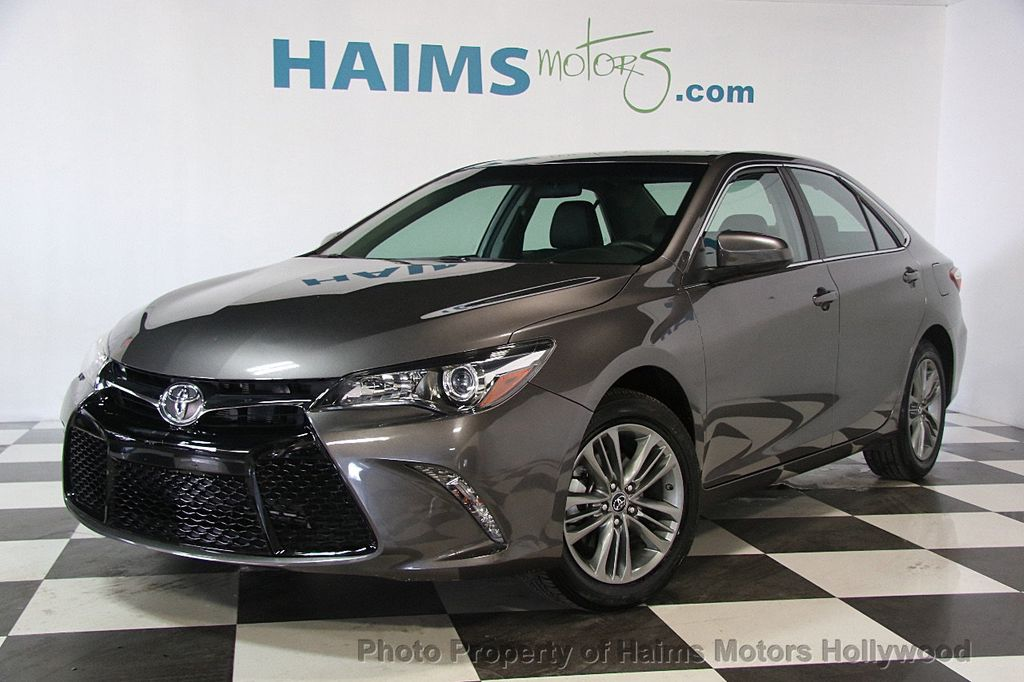 2017 Toyota Camry SE Automatic - 17312775 - 0
