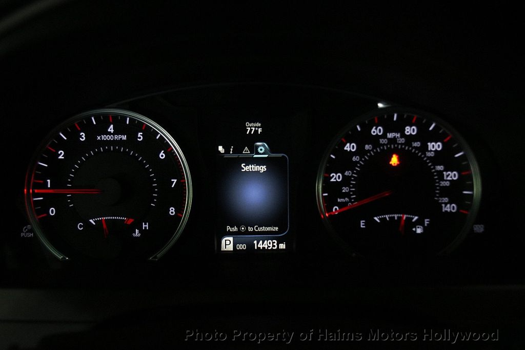 2017 Toyota Camry SE Automatic - 17312775 - 26