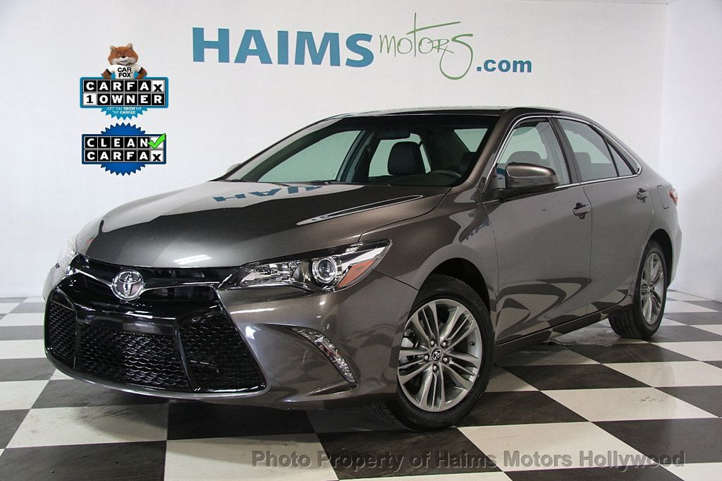 2017 Toyota Camry SE Automatic - 17312775 - 31