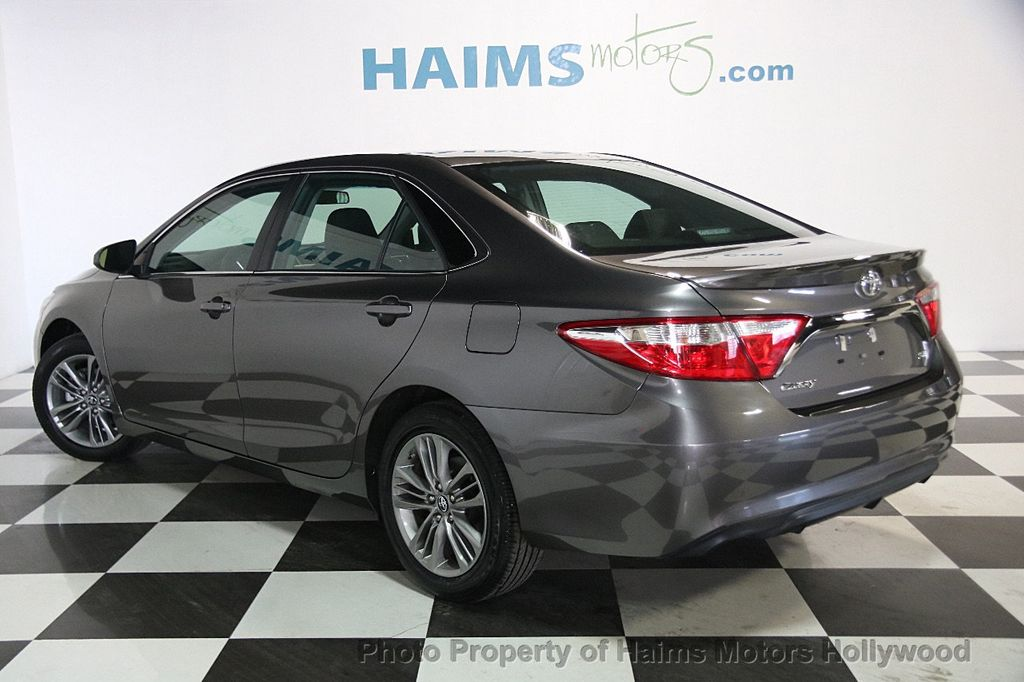 2017 Toyota Camry SE Automatic - 17312775 - 3