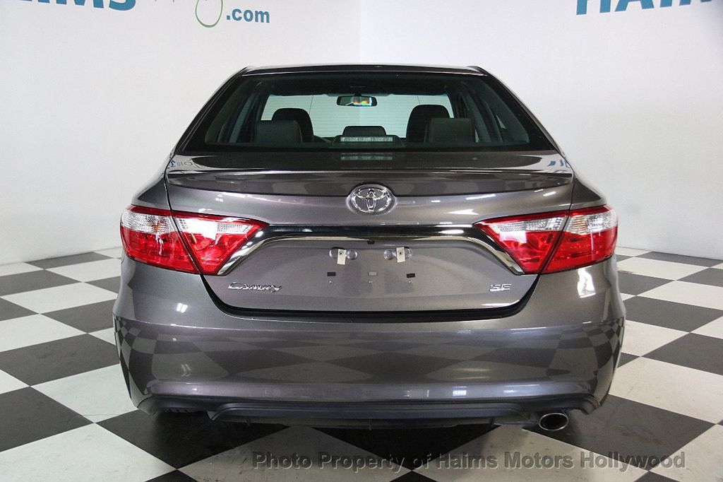 2017 Toyota Camry SE Automatic - 17312775 - 4