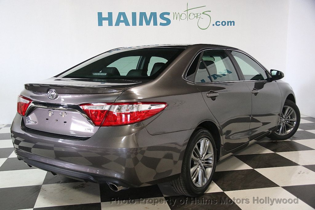 2017 Toyota Camry SE Automatic - 17312775 - 5