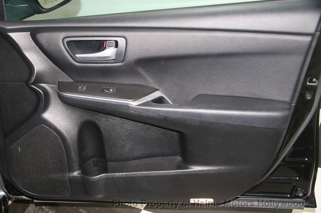 2017 Toyota Camry SE Automatic - 17382292 - 12