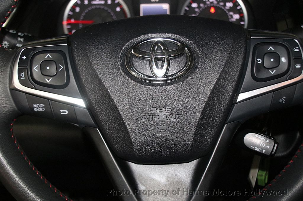 2017 Toyota Camry SE Automatic - 17382292 - 24