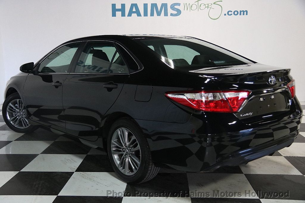 2017 Toyota Camry SE Automatic - 17382292 - 4