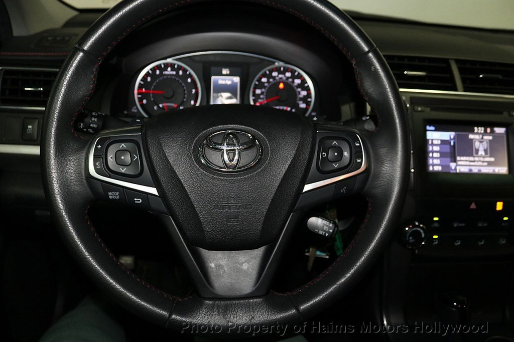 2017 Toyota Camry SE Automatic - 18143364 - 26