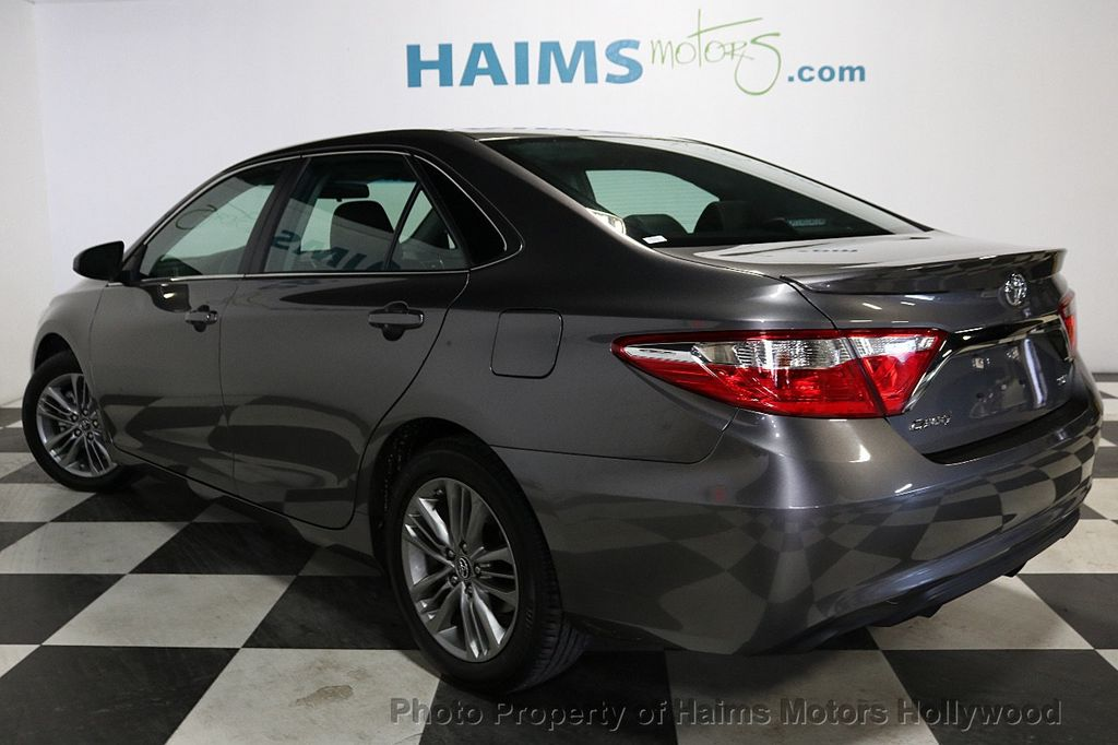 2017 Toyota Camry SE Automatic - 18143364 - 4