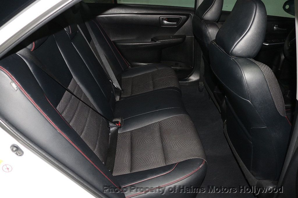 2017 Toyota Camry SE Automatic - 18692255 - 13