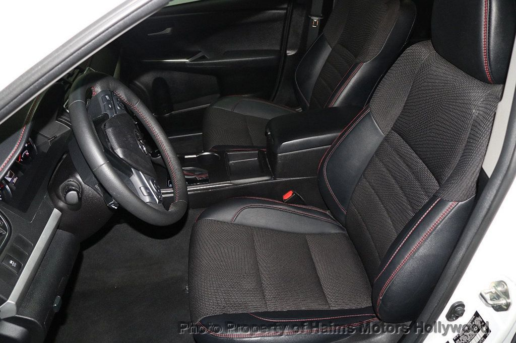 2017 Toyota Camry SE Automatic - 18692255 - 15