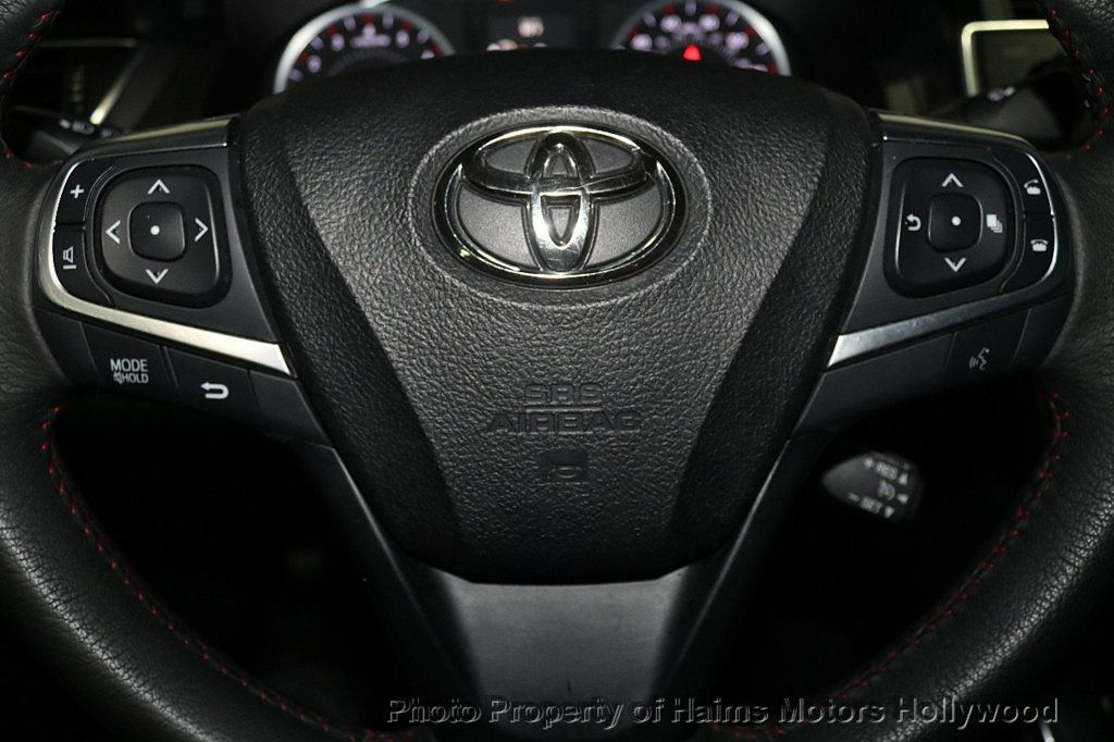 2017 Toyota Camry SE Automatic - 18692255 - 24