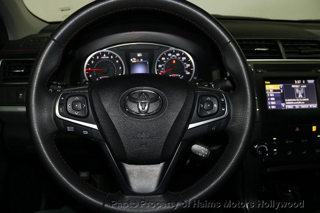 2017 Toyota Camry SE Automatic - 18692255 - 25
