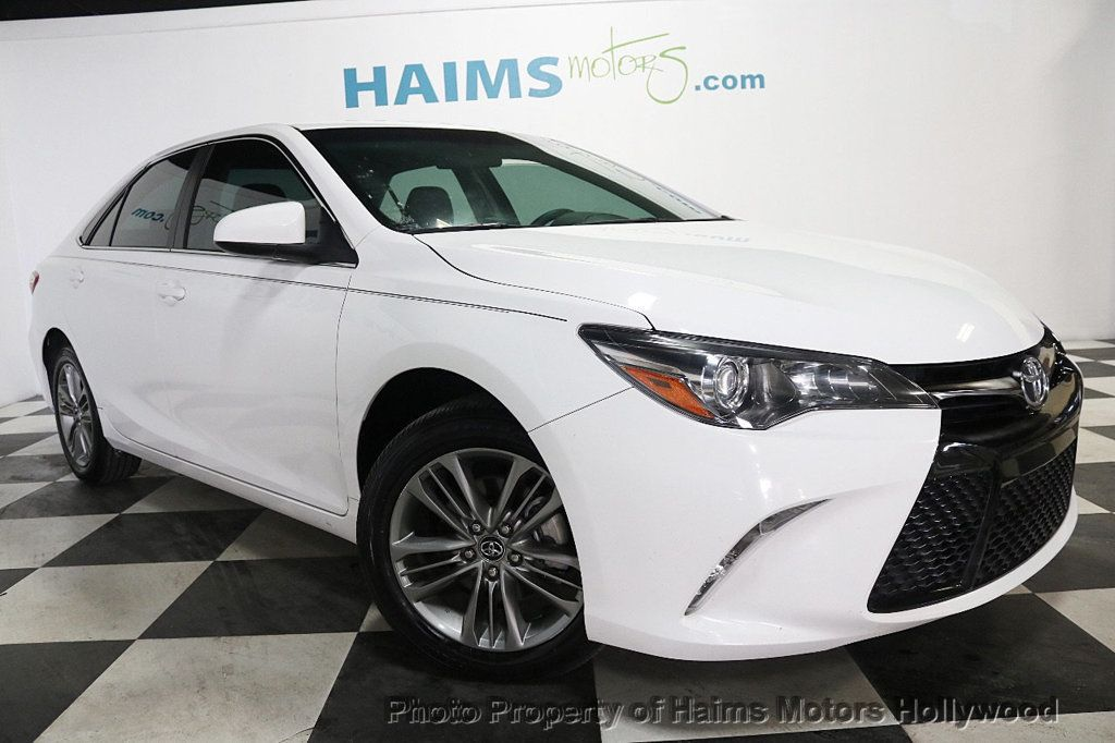 2017 Toyota Camry SE Automatic - 18692255 - 3