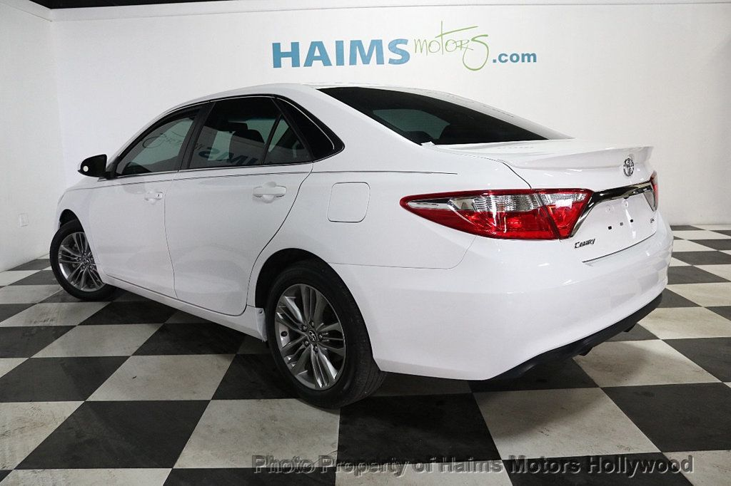 2017 Toyota Camry SE Automatic - 18692255 - 4