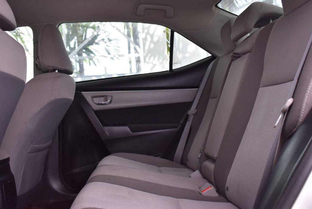 2017 Toyota Corolla  - 18712675 - 10