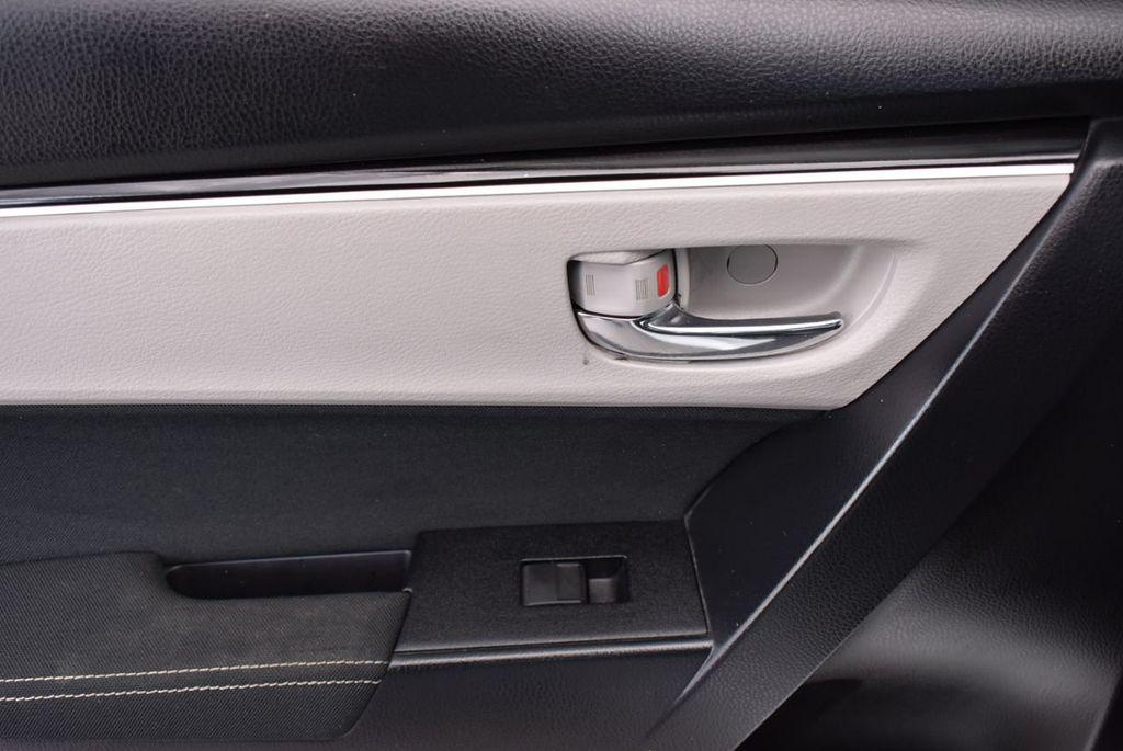 2017 Toyota Corolla  - 18712675 - 11