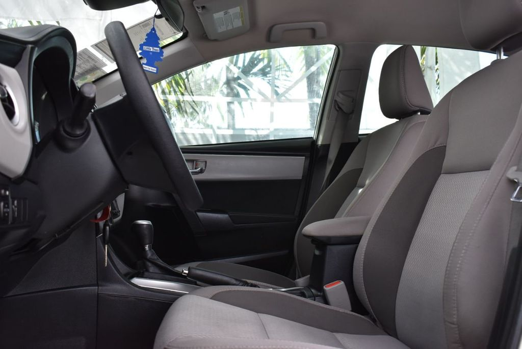 2017 Toyota Corolla  - 18712675 - 12