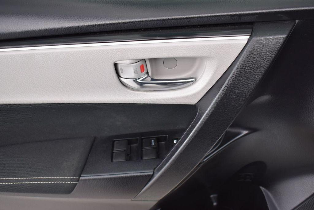 2017 Toyota Corolla  - 18712675 - 13